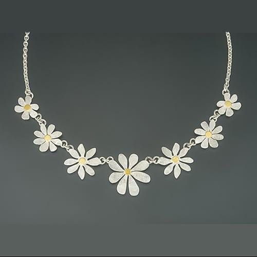 Flower collier