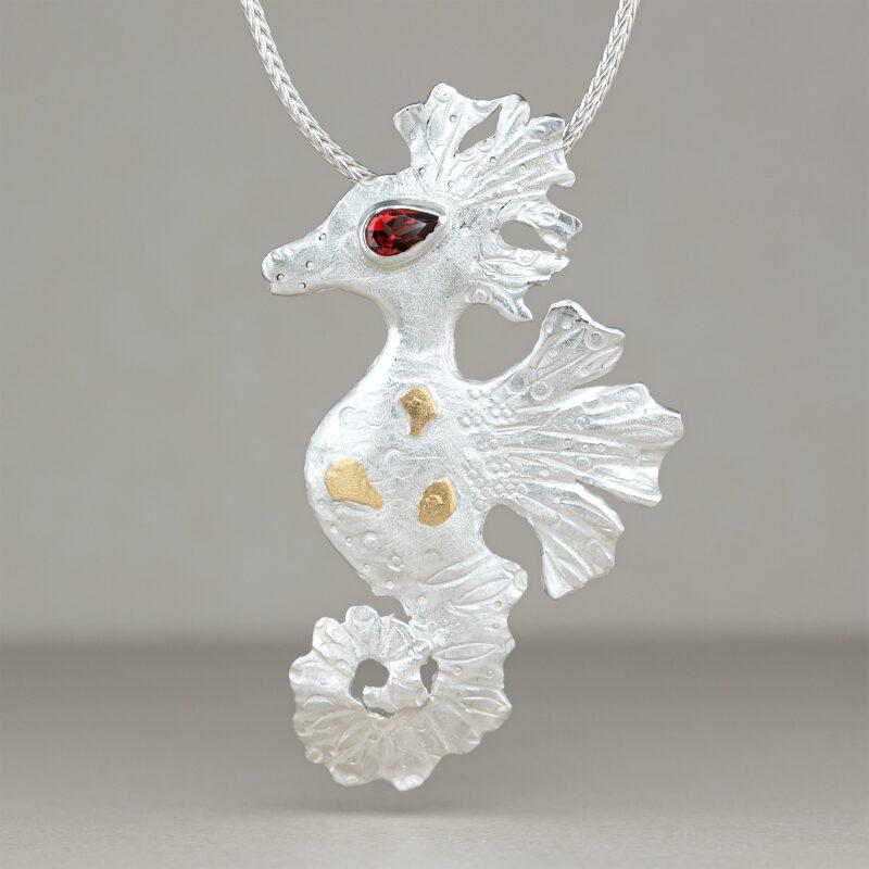 Seahorse - pendant