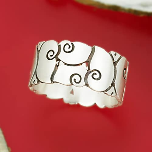 Snail pattern ring
