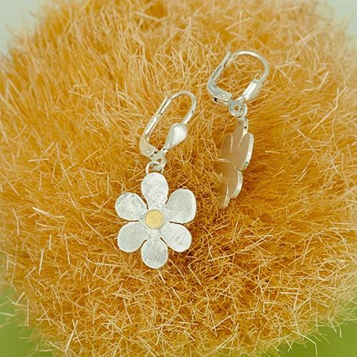 Blütenohrhänger mit Feingoldpunkt