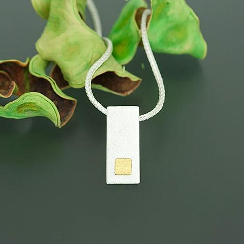 Pendant with fine gold square